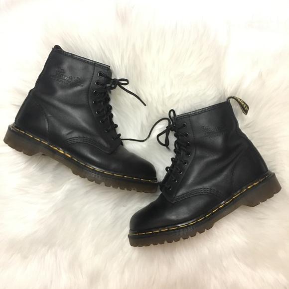 048e251023d Dr. Martens Shoes - Dr. Martens • 1460 Hardlife • Black Leather • Sz